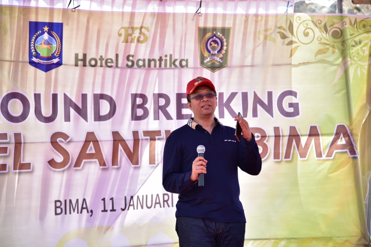 GUBERNUR LETAKKAN BATU PERTAMA HOTEL SANTIKA BIMA