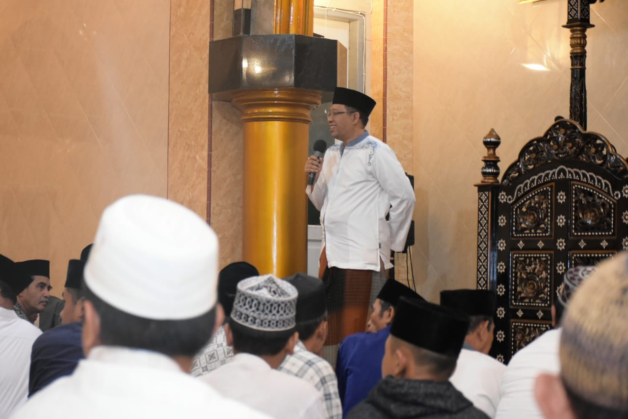 GUBERNUR SHOLAT DAN SAFARI SUBUH BERSAMA WARGA BINTARO AMPENAN